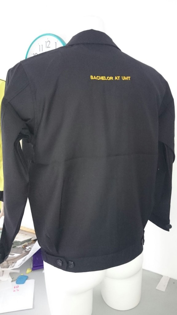 jaket lelaki sulam logo